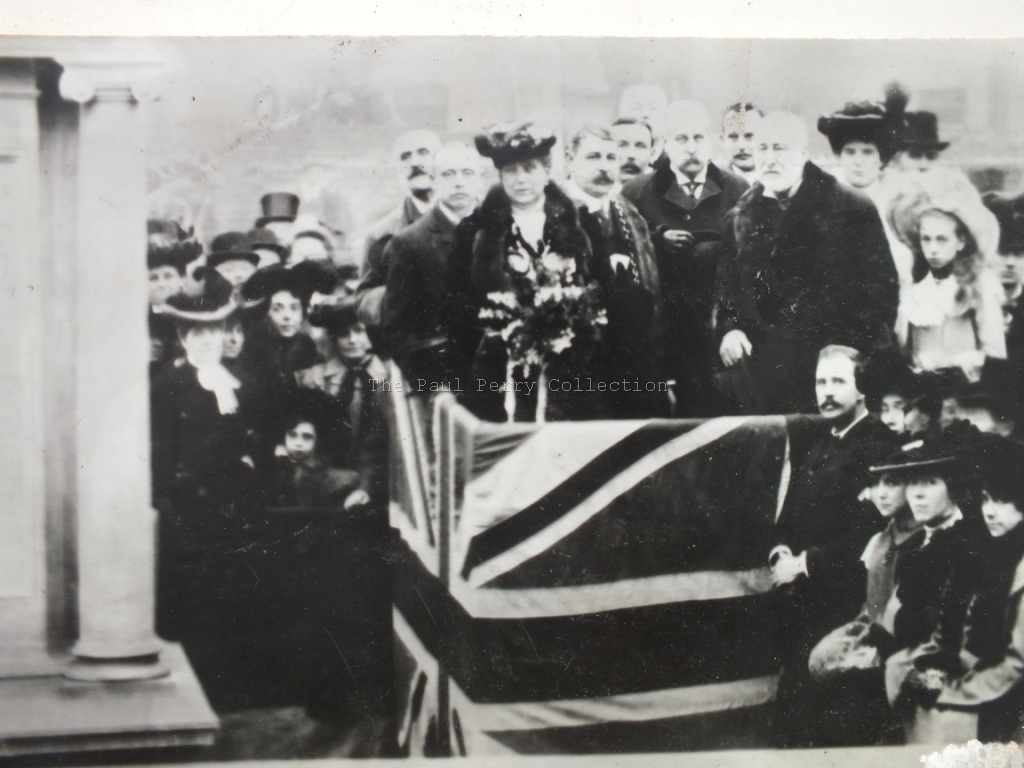 Unveiling the Palmer statue 1904
